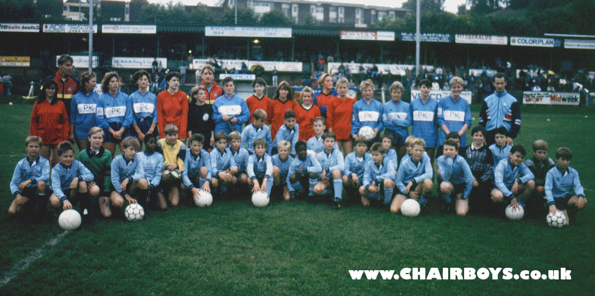 http://www.chairboys.co.uk/history/images/1989_11_ww_girlsandboys_1200.jpg