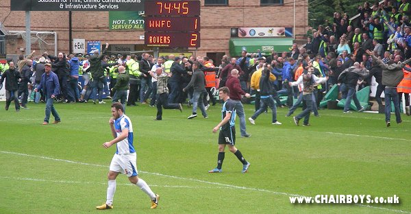 http://www.chairboys.co.uk/onthenet/news1314/2014_04_26_bristol_rovers_goal.jpg